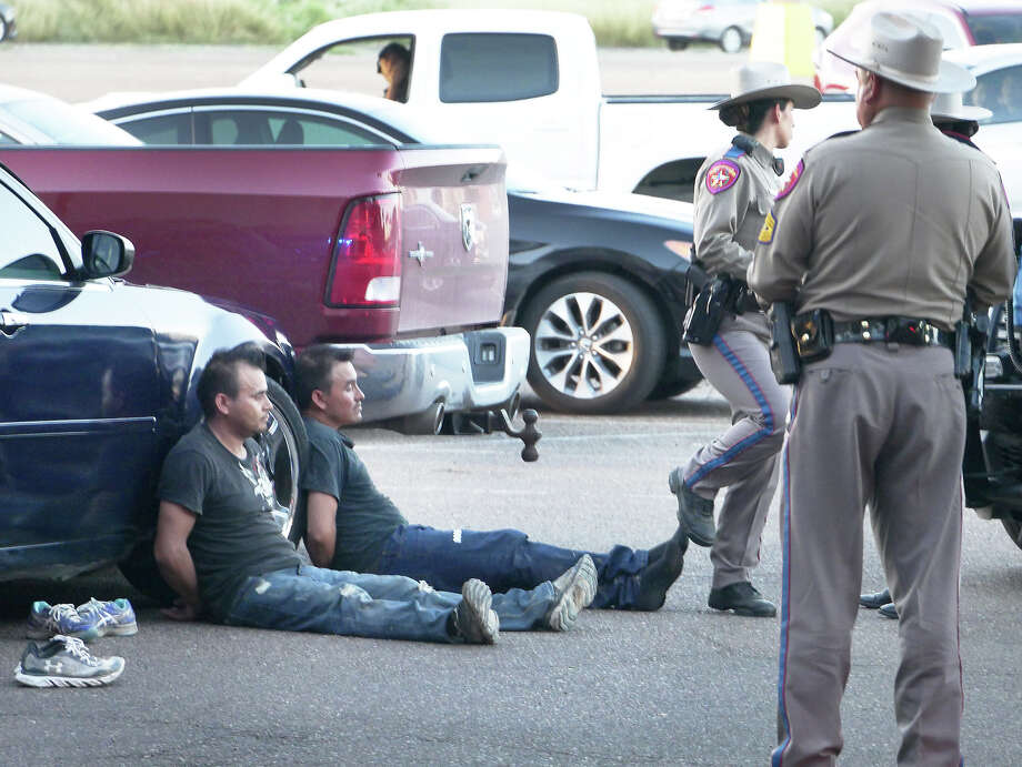 Law enforcement officers detained a number of men after responding to an incident at Mall del Norte Friday, June 14, 2019. Photo: Cuate Santos/Laredo Morning Times