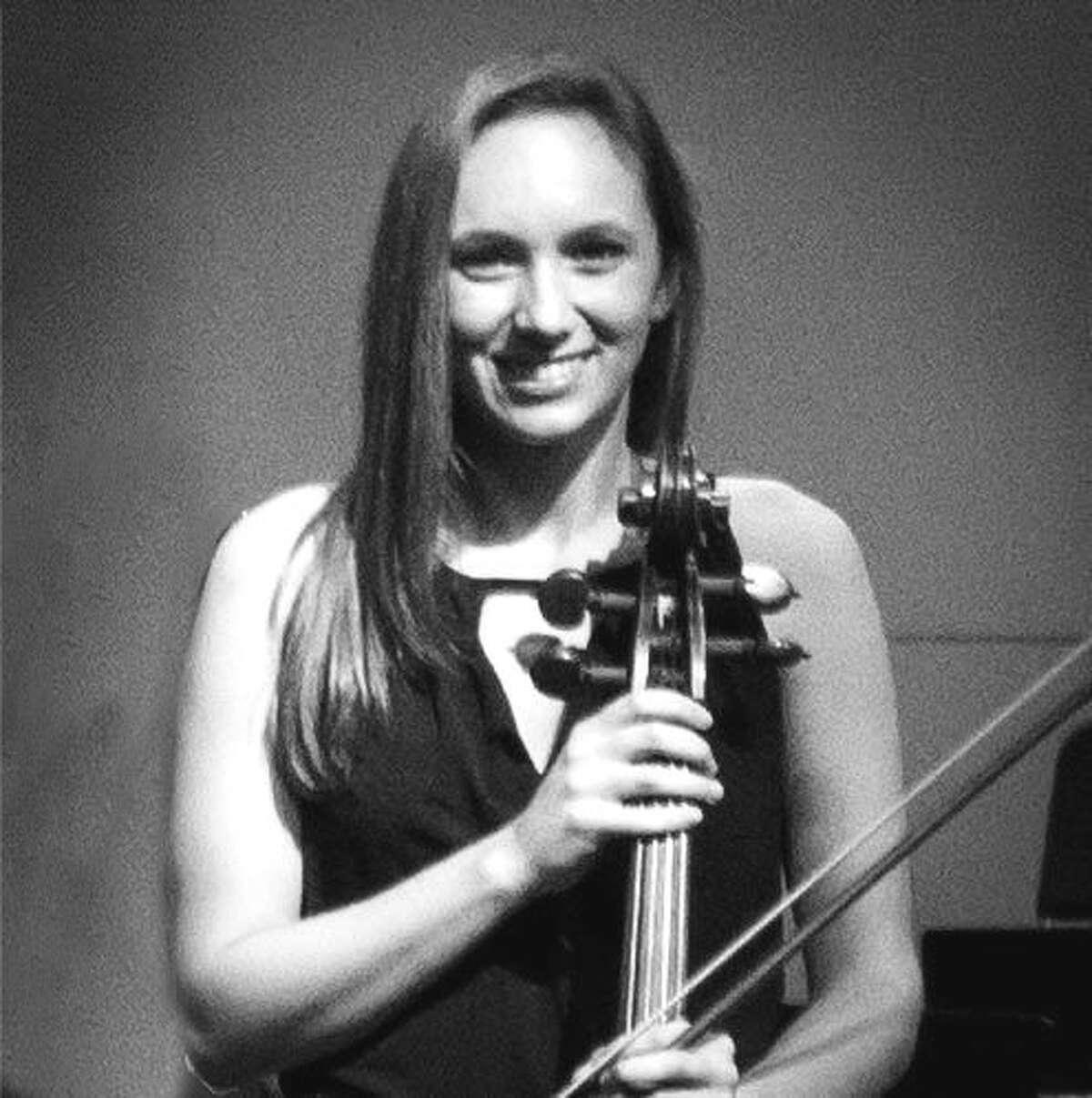 Alexandra Dillulio