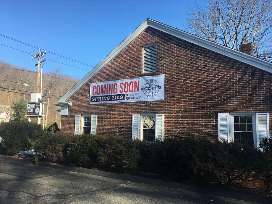 Brick House Wood Fired Pizza Kitchen and Bar will take over the brick building at 632 Danbury Road that once housed Subway. — Steve Coulter photo