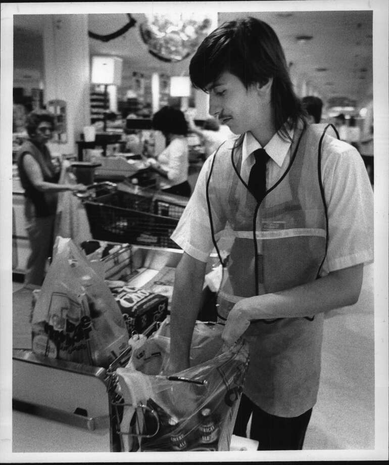 Price Chopper, Eastern Parkway, Schenectady, New York - Paul LeViker, 15, of Schenectady, packs groceries Friday afternoon as part of stay in school program. June 23, 1989 (John Carl D'Annibale/Times Union Archive) Photo: John Carl D'Annibale, Times Union Historic Images / Times Union