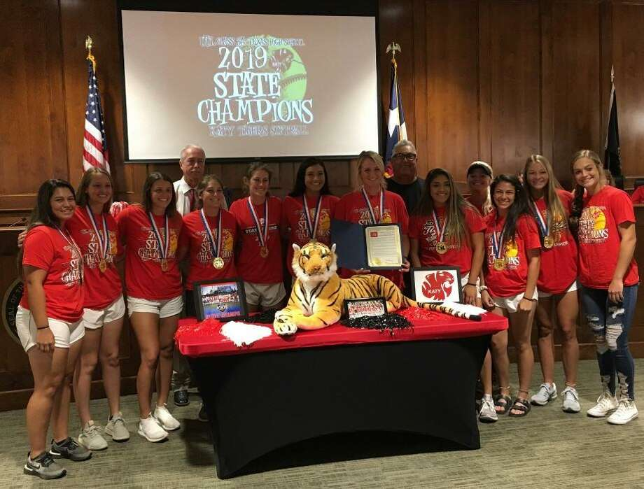 Katy Mayor Bill Hastings recognized the Katy High School Varsity Softball Team UIL Class 6A 2019 State Champions at the June 17 Katy City Council meeting. He read a proclamation that declared June 17 as Katy High School Tigers Varsity Softball Team Day. He asked that coaches and parents join the students for the recognition. They received a standing ovation at the council meeting. Photo: Karen Zurawski / Karen Zurawski