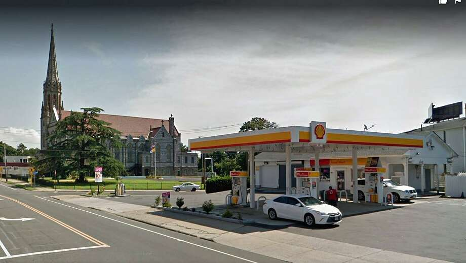 The Shell Food Mart located at 915 North Ave. in Bridgeport was issued a $2,282 civil penalty by the federal Food and Drug Administration in late May after violating tobacco sale laws four times in the past two years, documents said. Photo: Google Street View Image
