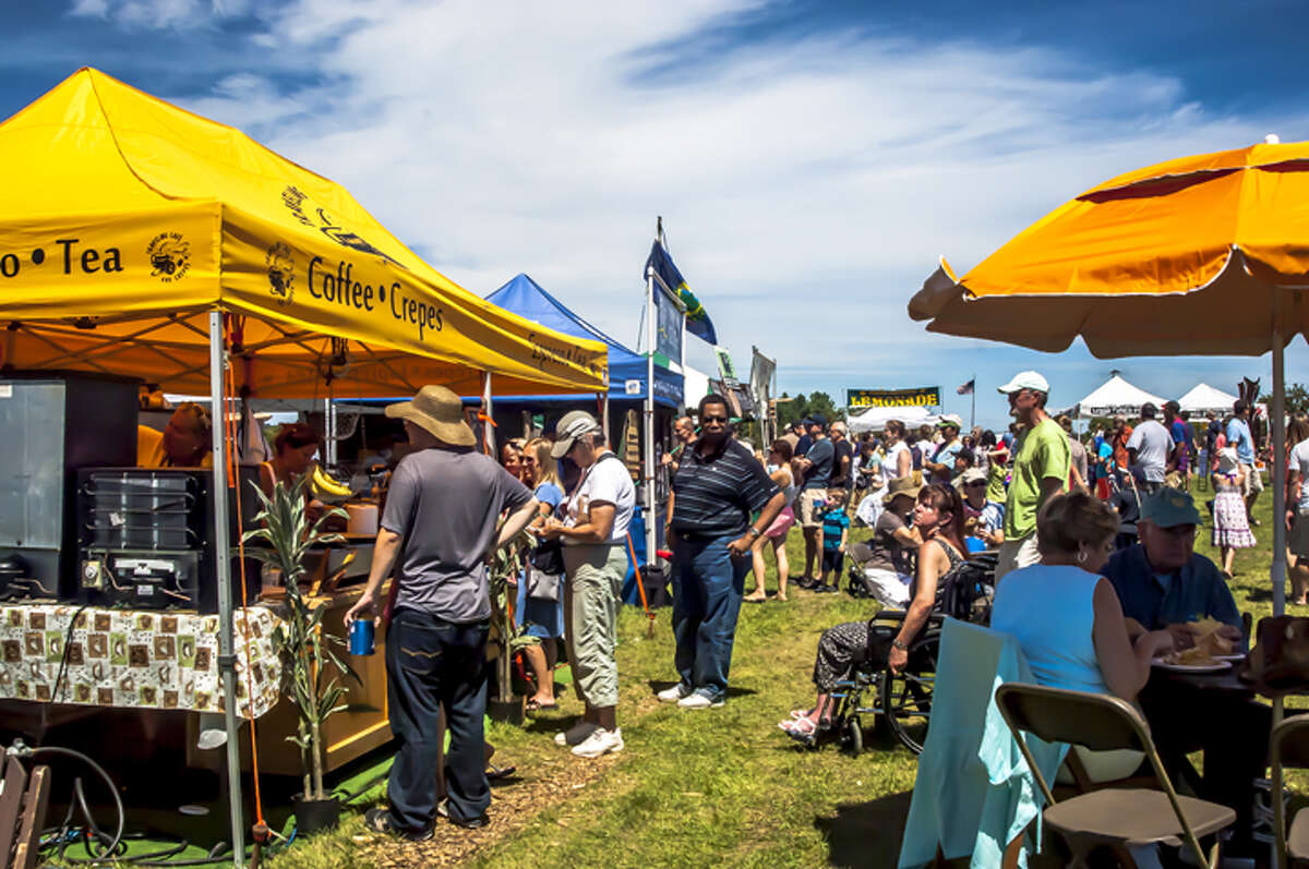 Vendors for food, drink, crafts and other items are among the Saratoga Ballon & BBQ Festival's attractions. (Publicity photo courtesy Saratoga Balloon & BBQ Festival.)