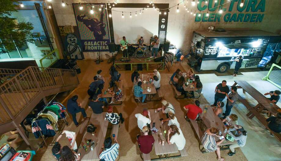 Party goers turn out for Vinyl Night at Cultura Beer Garden on Tuesday, Jun 18, 2019. Photo: Danny Zaragoza/Laredo Morning Times