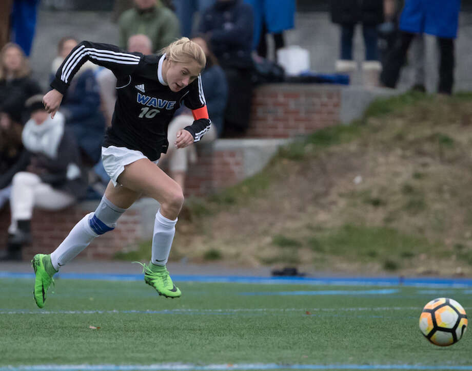 RAM-PAGE — Katie Ramsay's on a goal-a-game rampage at states. Courtesy Darien Athletic Foundation / (c)Mark Maybell
