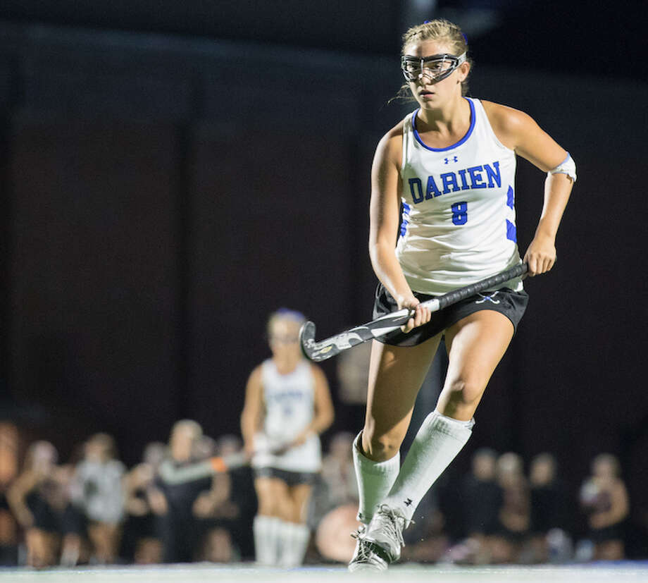 Lyndsey Wallach looms large for the undefeated Wave. Courtesy Darien Athletic Foundation / (c)Mark Maybell
