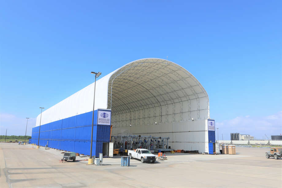 S&B Modular Operations recently installed a new 24,000-square-foot covered module assembly bay at its Baytown location. The existing 50,000 square feet of covered production space has been converted to provide full pipe fabrication services. Photo: S&B Modular Operations