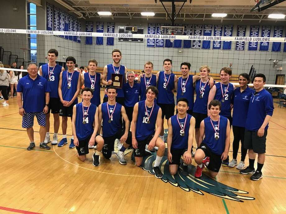 Darien 2017, keeping the title plaque in the Wave family.