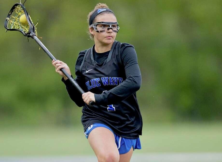 Nicole Humphrey led the scoring smash-up. Courtesy Darien Athletic Foundation / (c)Mark Maybell