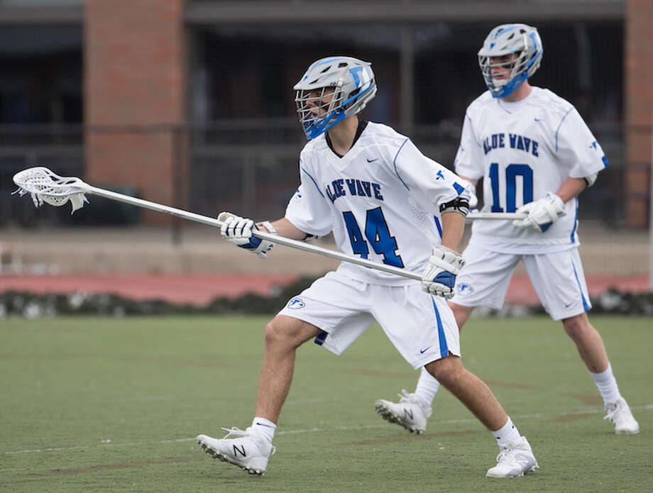 Nick Percarpio (left) and Riley Stewart at the ready. Courtesy Darien Athletic Foundation / (c)Mark Maybell