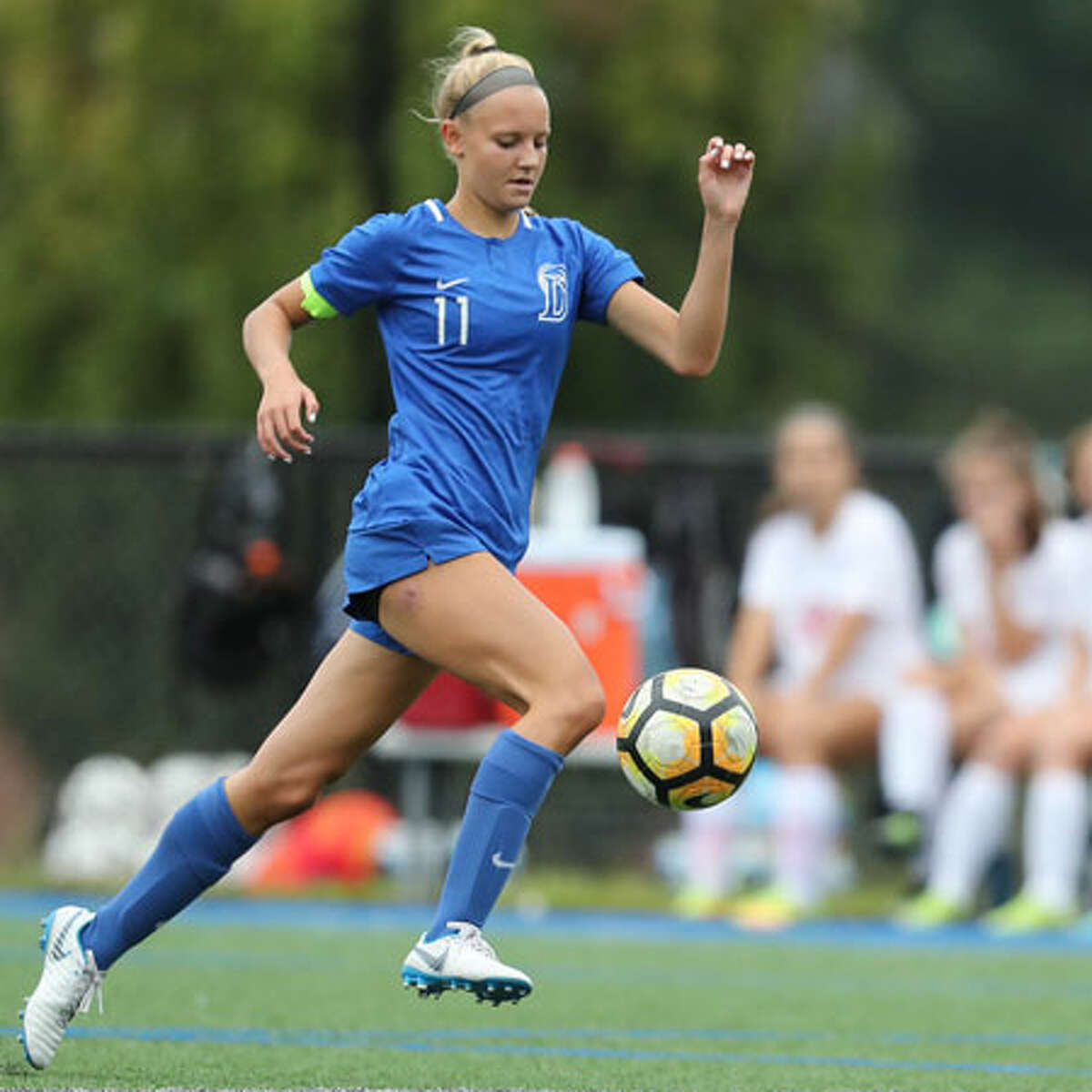 Senior co-captain Lauren Sulger in action during the Blue Wave's victory over Greenwich. - Darien Athletic Foundation photo