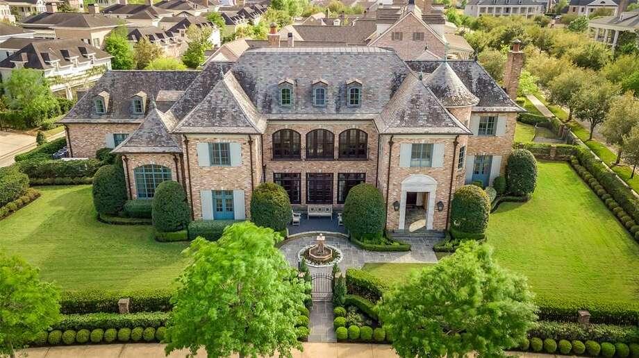 74 East Shore Drive List price: $6.999 million Square feet: 10,183 Photo: Houston Association Of Realtors