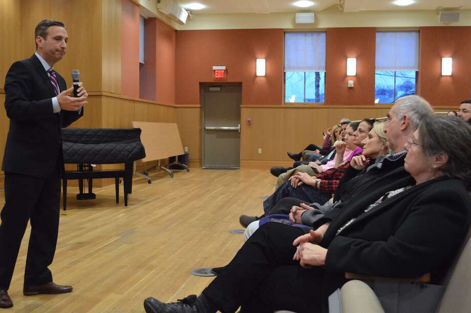Senate Majority Leader Bob Duff addressed residents' concerns with proposed legislation on Monday night at the Darien Library — Jarret Liotta/Hearst Connecticut Media