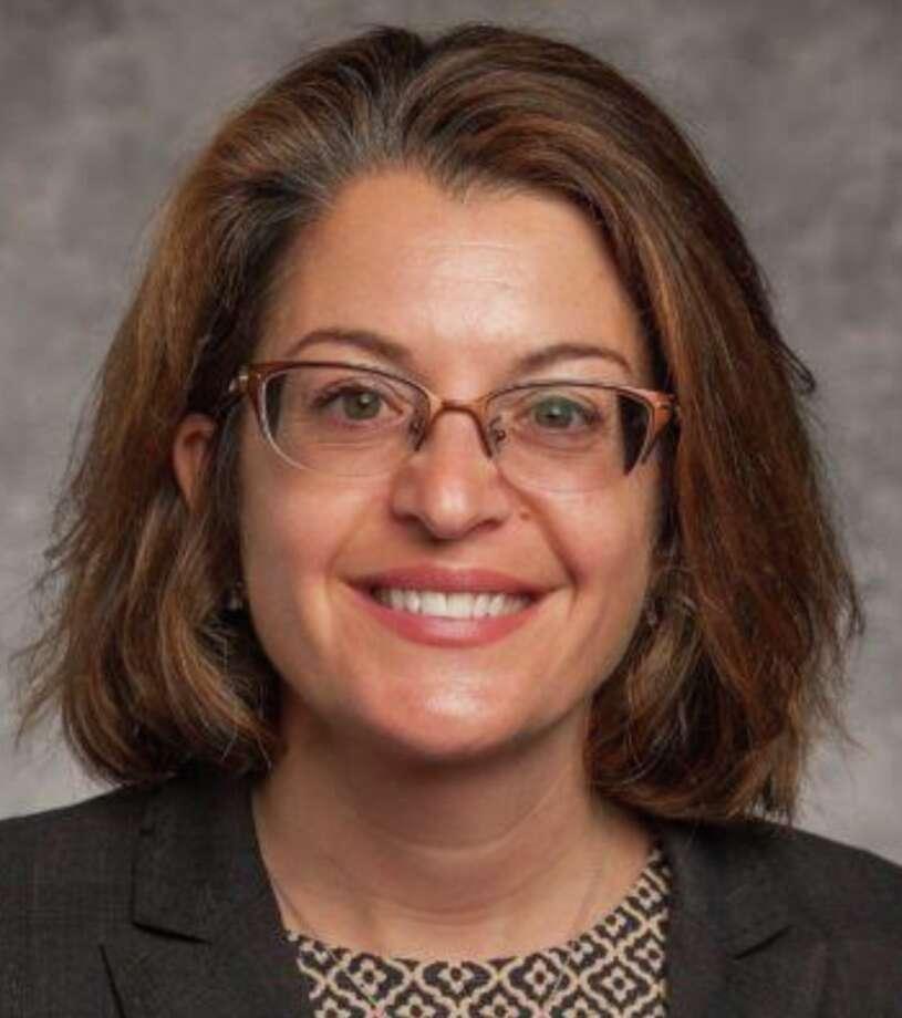 Dr. Sara Niego