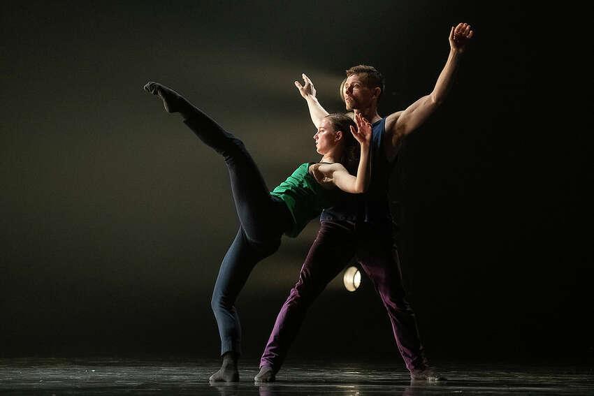 Anna Bekirova and Brandon Alley of Ballet BC in Emily Molnar's