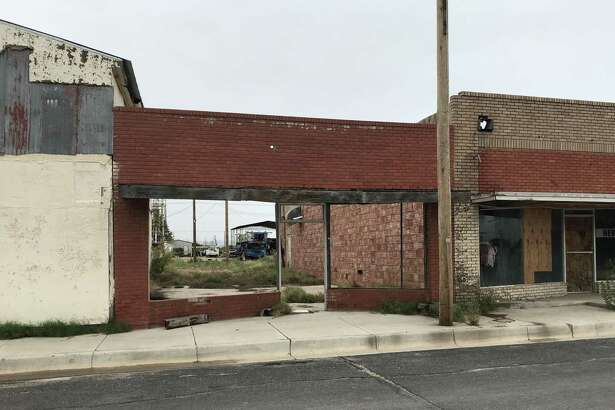 A gap-toothed downtown evokes memories of a time when 10,000 people lived in McCamey.