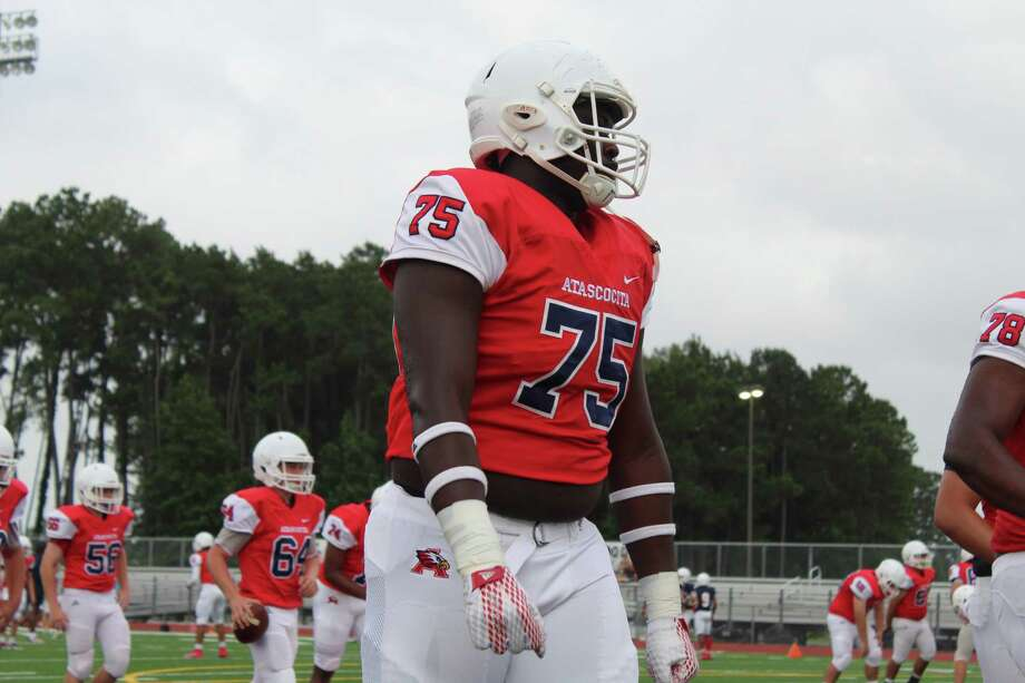 Atascocita offensive lineman Kameron Dewberry started at left tackle for the Eagles during his freshman season. He's setting up to be the next big offensive lineman in the country. Photo: Marcus Gutierrez Staff Photo