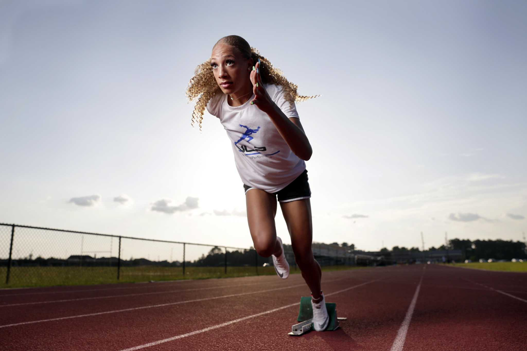 'Diva' puts on a show in girls track this year