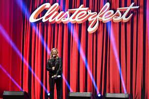 SAN FRANCISCO, CALIFORNIA - JUNE 21: Amy Poehler performs onstage at the 2019 Clusterfest on June 21, 2019 in San Francisco, California. (Photo by Jeff Kravitz/FilmMagic for Clusterfest)
