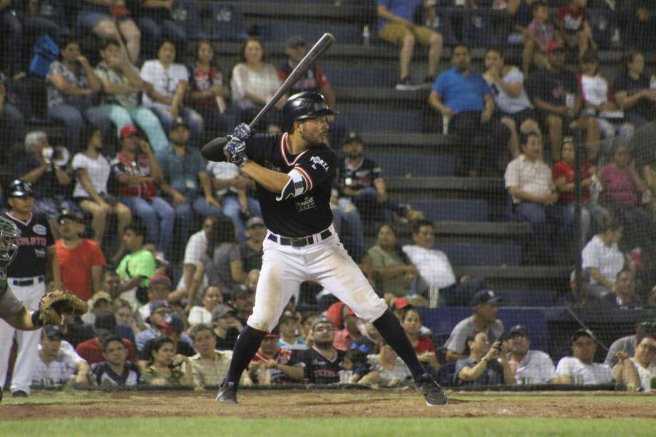 Roberto Valenzuela and the Tecolotes grabbed a series opening win Tuesday against Oaxaca. Photo: Courtesy Of The Tecolotes Dos Laredos /file