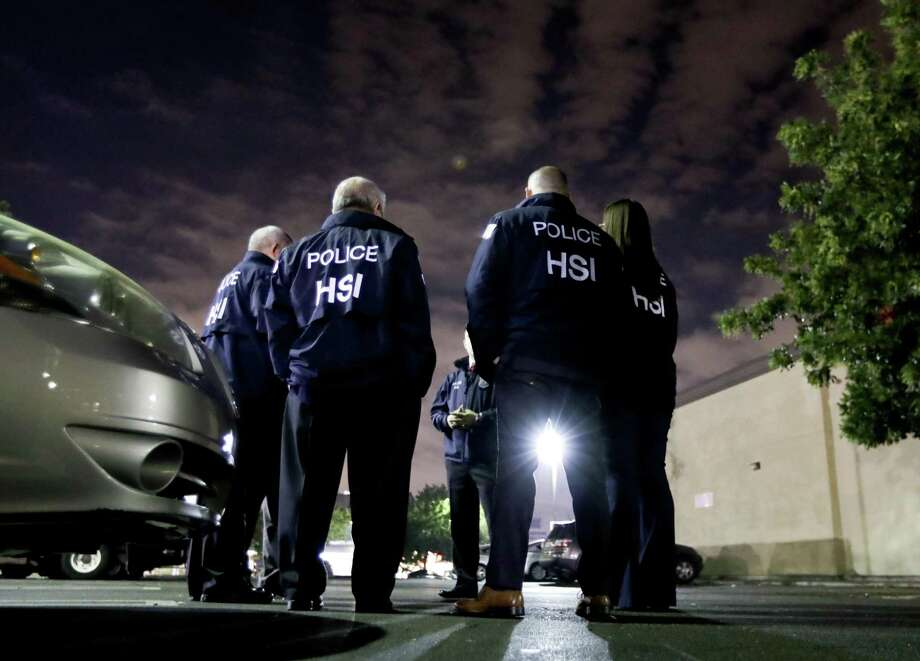 ICE will begin conducting compliance inspections at several South Texas businesses, including within the Laredo area. Photo: Chris Carlson /AP / Copyright 2018 The Associated Press. All rights reserved.