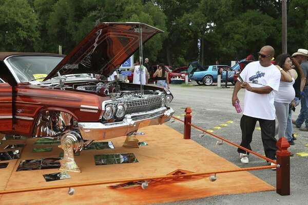 Vibrant motor art colors Comanche Park - ExpressNews com