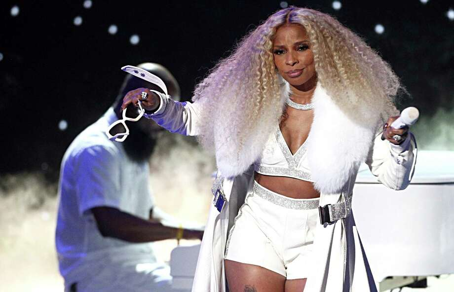 Mary J. Blige performs onstage at the 2019 BET Awards. Photo: Frederick M. Brown /Getty Images For BET / 2019 Getty Images