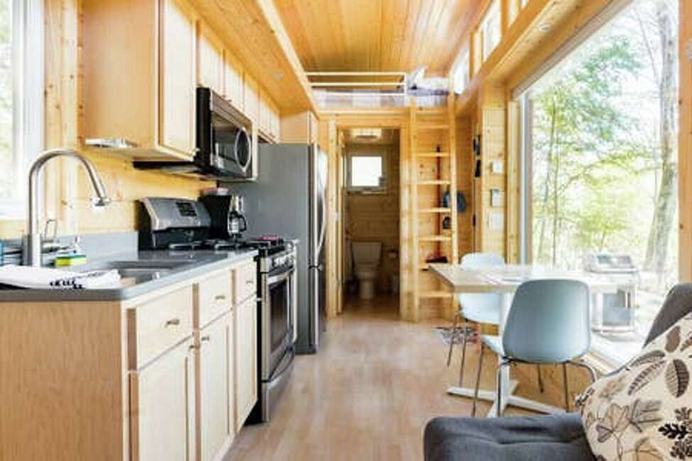 South Cairo, the Catskills.Five guests, one bedroom, one bed, one bath.