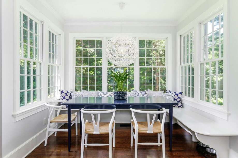 The breakfast nook has built-in seating. Photo: PlanOmatic / © 2018 PlanOmatic