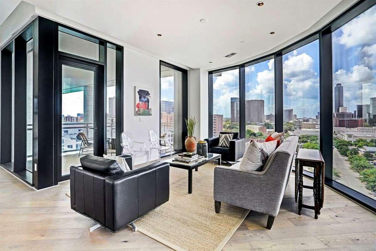 10.1409 Post Oak Boulevard #904, HoustonSold Price Range: $717,001 - $827,0001,695 square feet Astoria amenities: Pool, exercise room, party room, service elevator.