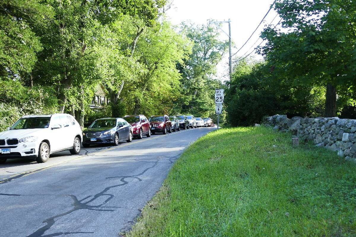 A line of cars heading west on Gerdes Road slowly approaches the traffic light at South Avenue Monday, Sept. 24, around 8:30 a.m. - Greg Reilly photo