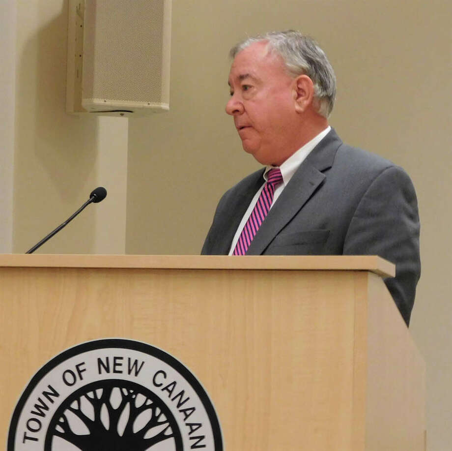 New Canaan: Zoning rules may not allow for a second guest cottage.