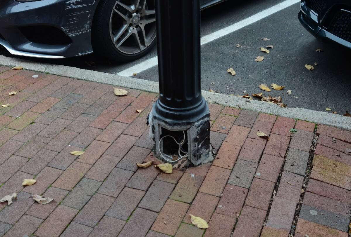 A lamppost on Elm Street was in need of repair on Nov. 9. - Greg Reilly photo