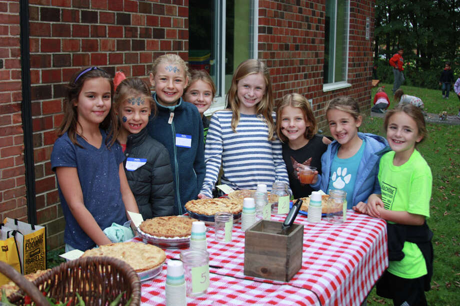 The first Garden Harvest Day at South School in New Canaan drew 150 people. The harvest event featured a school-wide apple pie contest. — Contributed photo