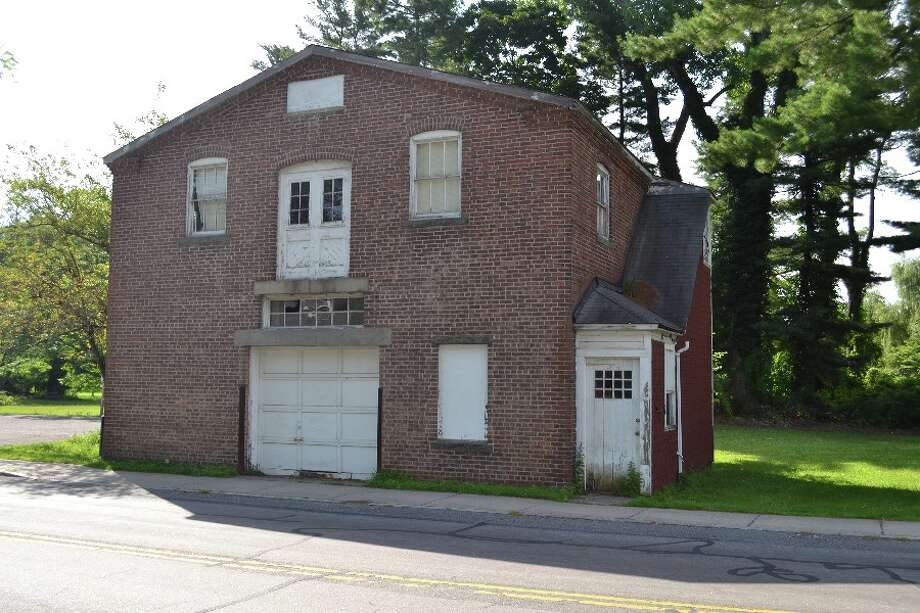 The vacant Town-owned structure at the top of Mead Park on Richmond Hill Road is in disrepair. — Advertiser photo