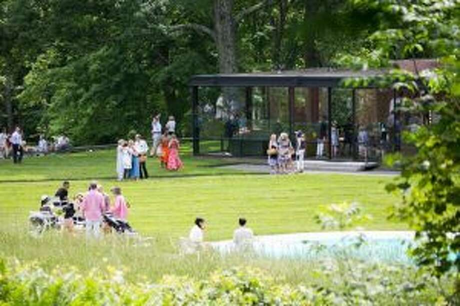 New Canaan: A picnic, and lawn games were among the highlights of an event at a benefit at a Glass House benefit.