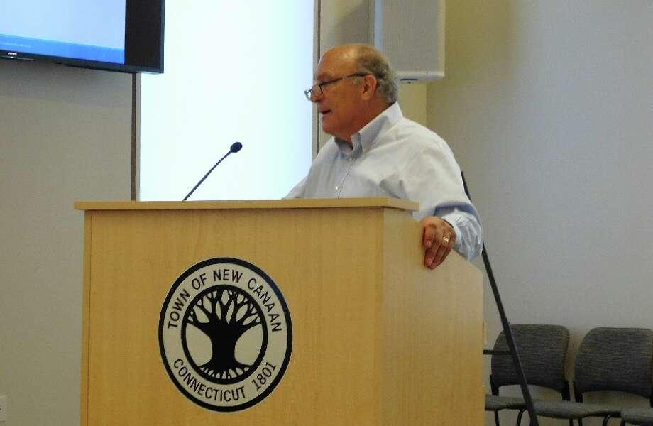 Stuart Sawabini addresses the Planning & Zoning Commission. — Brad Durrell photo