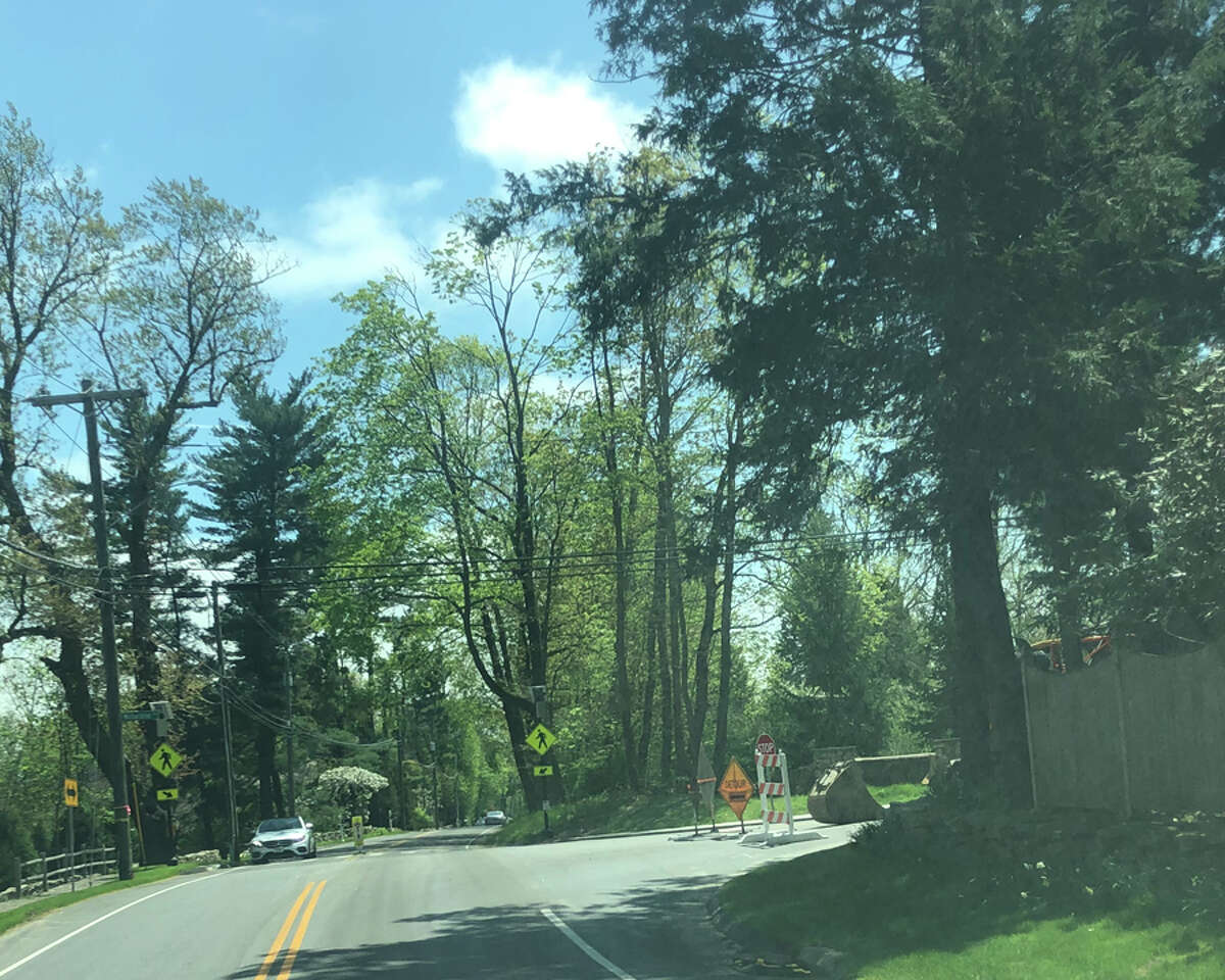 Travel on Wahackme Road between Weed Street, and Ponus Ridge Road near Irwin Park in New Canaan Conn., is limited to local traffic on May 7, 2019, as part of water main work done by the Aquarion Water Company. Contributed photo