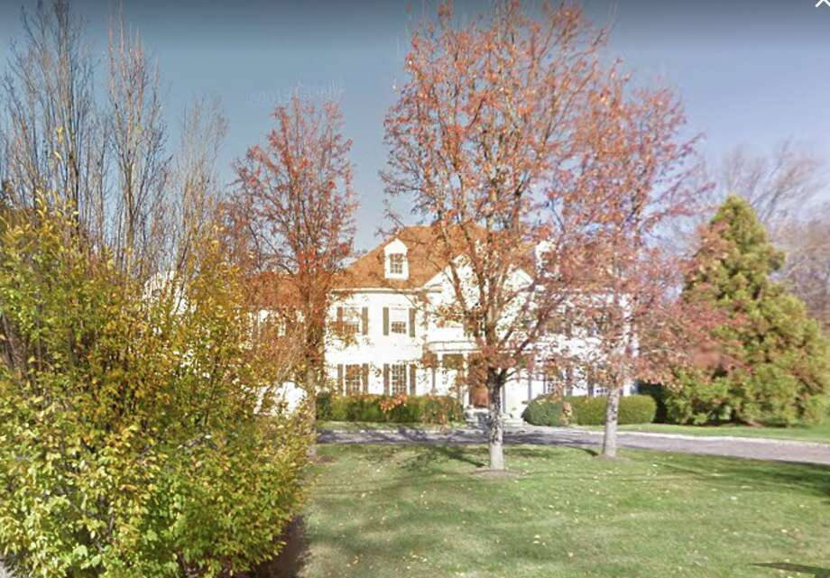 A house at 91 Dunning Road in New Canaan, Conn. sold for $2,275,000. Photo: Google Street View