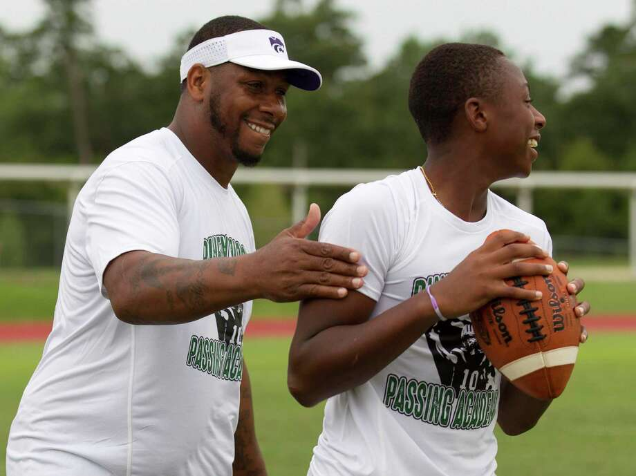 Former Heisman Trophy finalist Michael Bishop, shown at the Piney Woods Passing Academy in 2019 in Willis, will be the next head coach for Legacy School of Sport Sciences in Spring. Photo: Jason Fochtman, Houston Chronicle / Staff Photographer / Houston Chronicle