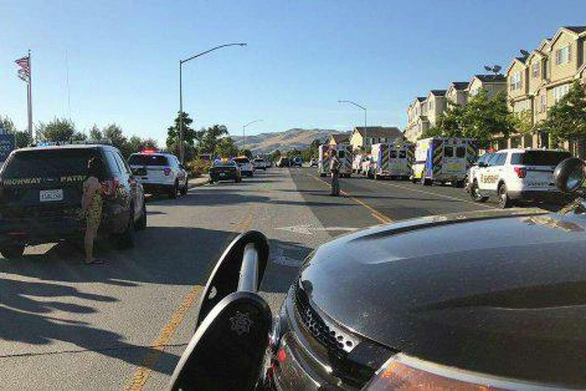 2 Workers, Gunman Dead at California Ford Dealership