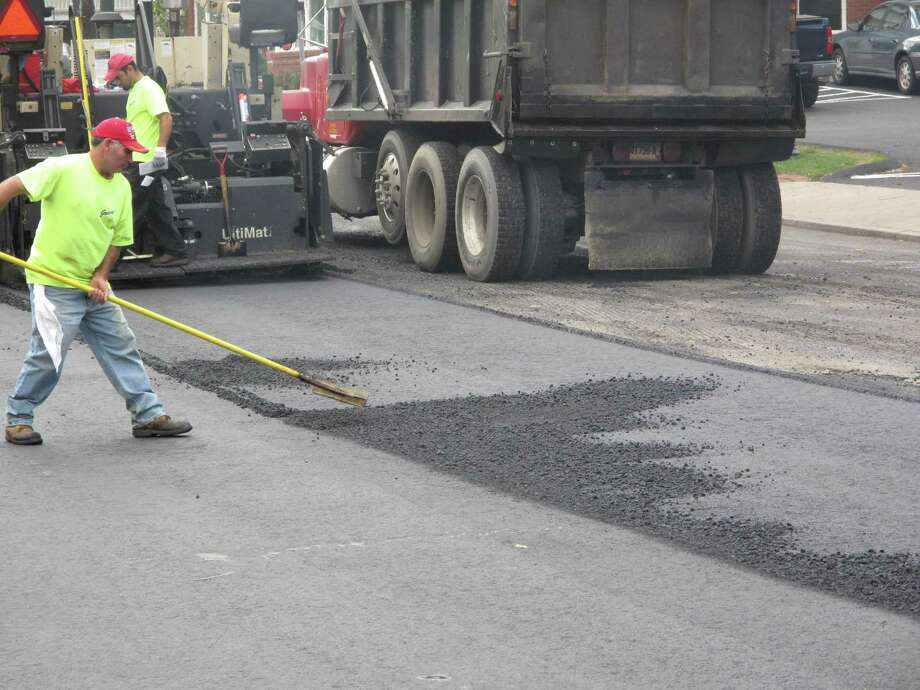Milling and paving work will be conducted through Thursday morning on Main Street in Middletown. Photo: Hearst Media Connecticut File Photo / New Canaan News