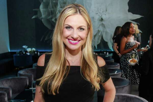 """EMBARGOED FOR REPORTER UNTIL 6.26 Saks Fifth Avenue hosts the """"It Girls"""" dinner party."""