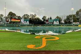 The Tecolotes and Pericos will start a doubleheader at 5 p.m. Wednesday in Puebla after Tuesday's game was postponed due to rain and hail.