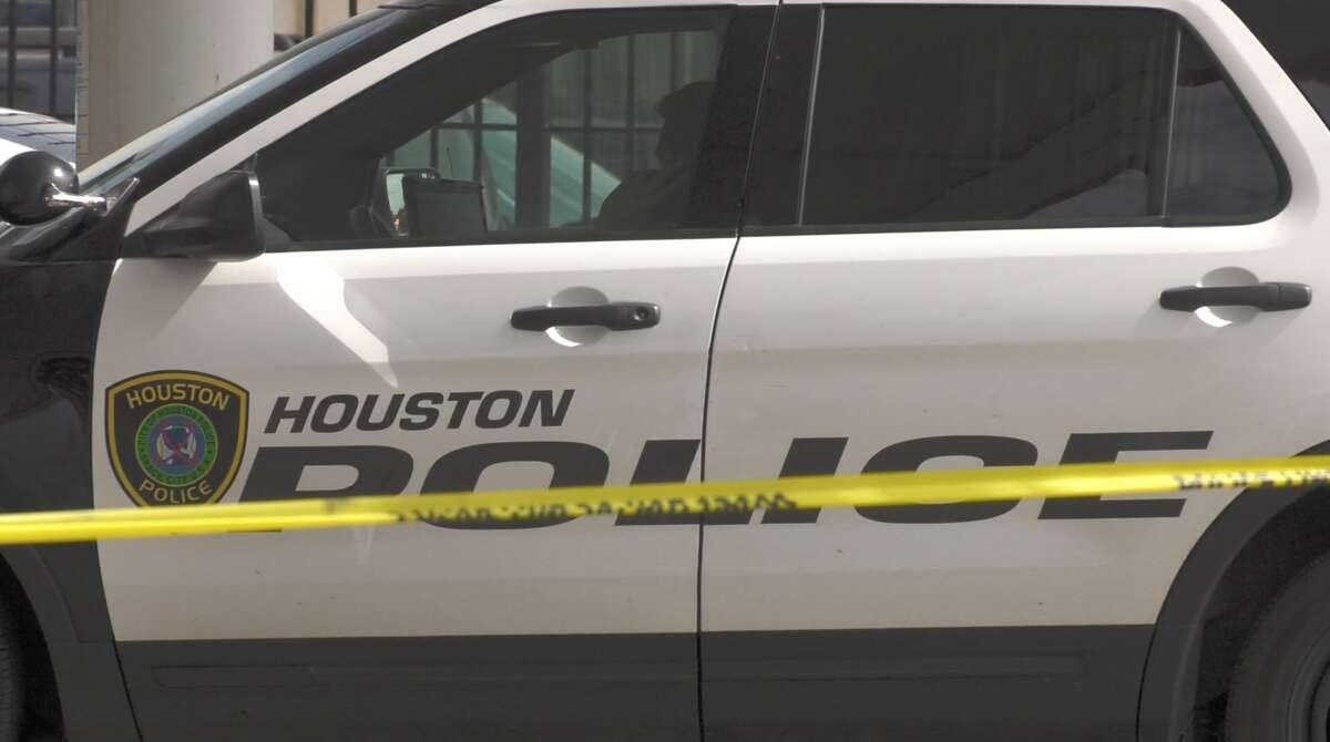 Houston police officers investigate a shooting at a southeast Houston gas station in the 5800 block of Martin Luther King Boulevard on Thursday, June 27, 2019.