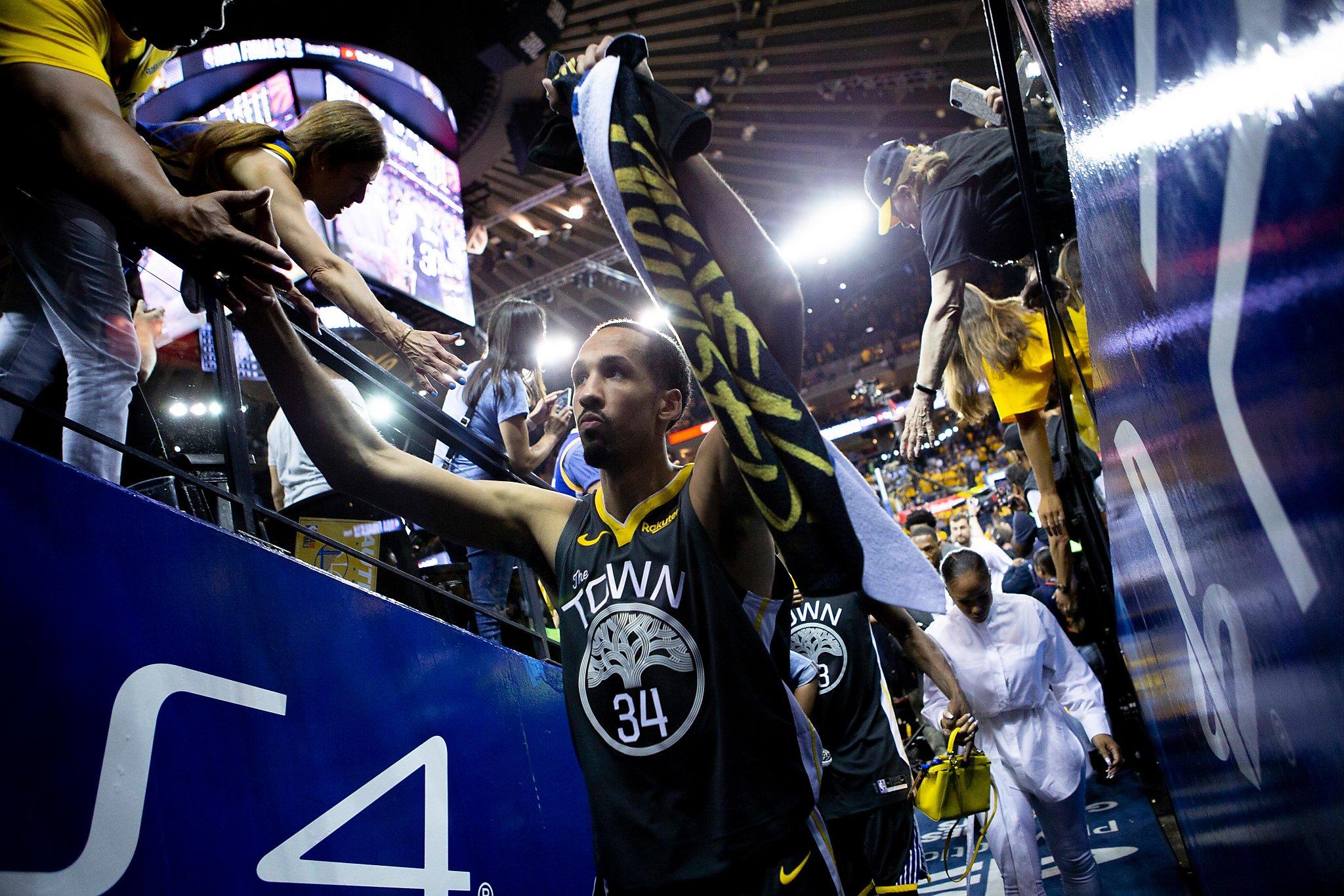 Former Warriors guard Shaun Livingston announces his retirement from NBA