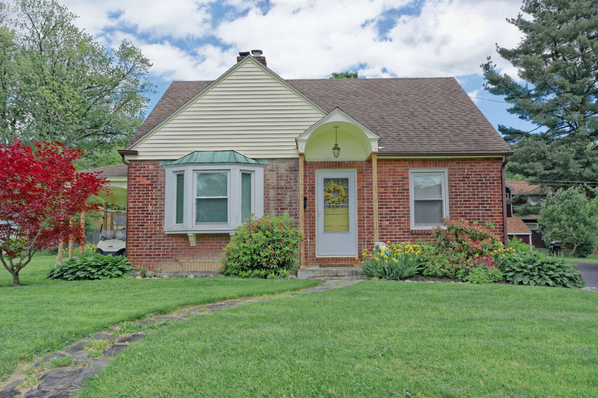 House of the Week: 220 Lindbergh Ave., Rensselaer | Realtor: Shana Edwards of Keller Williams Capital District | Discuss: Talk about this house