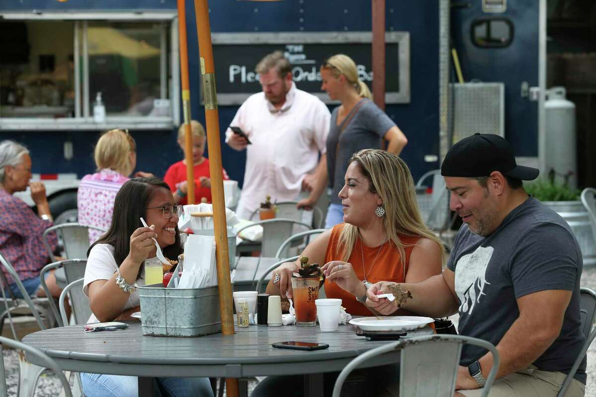 The Pigpen  Neighborhood bar with food trucks and a Sunday southern brunch.  106 Pershing Ave.