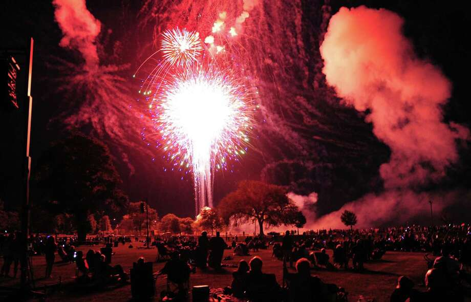 The Barnum Skyblast fireworks display at Seaside Park in Bridgeport in 2015. Photo: Christian Abraham / Hearst Connecticut Media File Photo / Connecticut Post