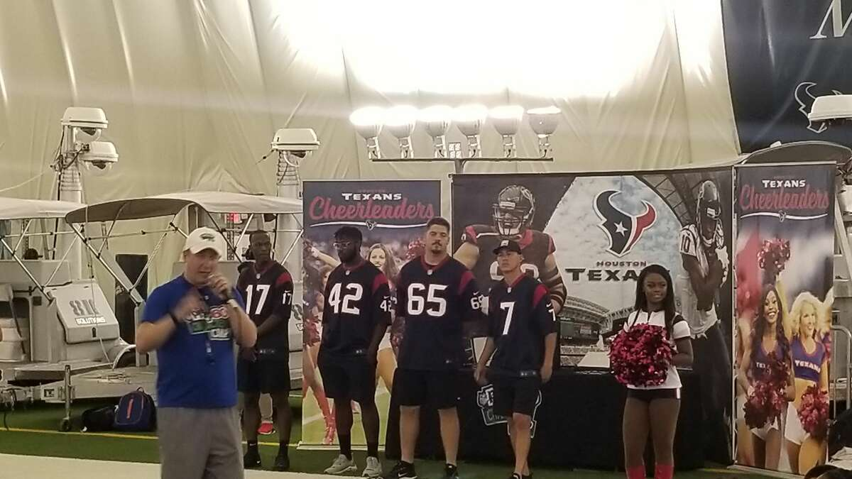 PHOTOS: Houston Texans 2019 schedule Texans give back at NFL Play 60 character camp. >>>Here's a look at the Texans' schedule this season ...